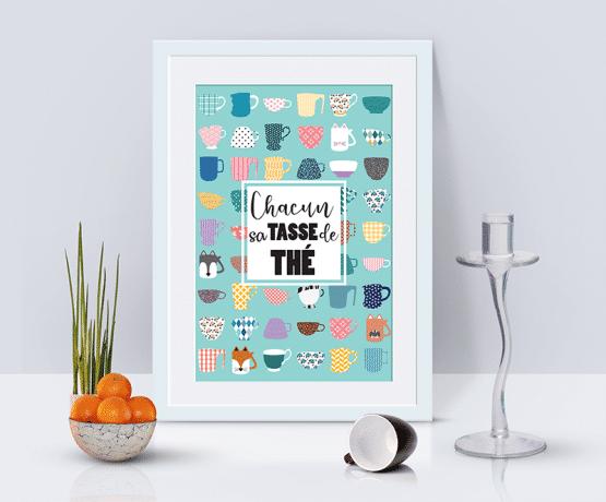 Une affiche de tasses de thé que les amoureux du thé vont se précipiter d'acheter. Un poster avec un ensemble de tasses uniques pour la décoration de votre cuisine.