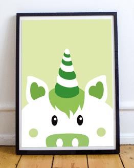Poster mural licorne verte pour une chambre enfant ou une chambre bébé. Possibilité de personnaliser votre affiche pour votre décoration murale : changez la couleur de l'affiche illustrée et ajoutez un texte comme un message ou un prénom.