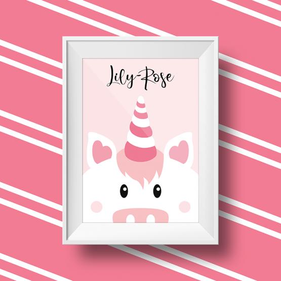 Affiche licorne personnalisée avec le prénom Lily Rose sur fond rose