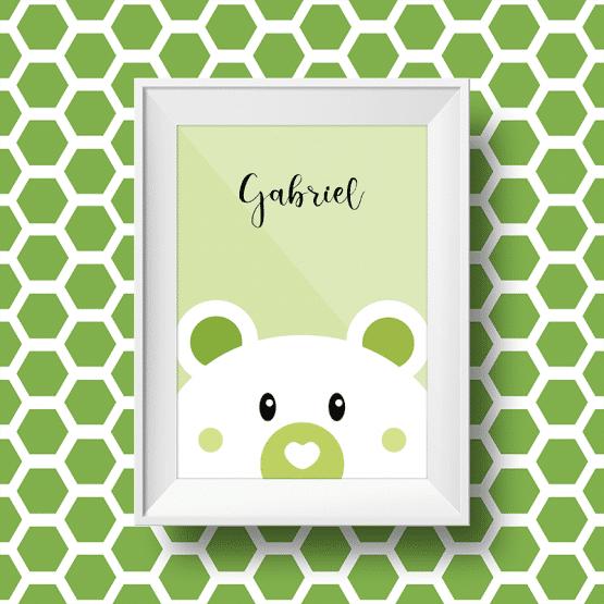 Affiche personnalisée petit ours avec le prénom gabriel sur fond vert
