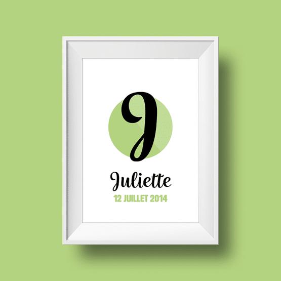 Affiche poster initiale J et prénom Juliette personnalisée avec la date de naissance et une couleur au choix.