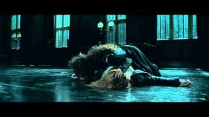 Sortilège Endoloris de Bellatrix Lestrange sur Hermione Granger dans le film Harry Potter